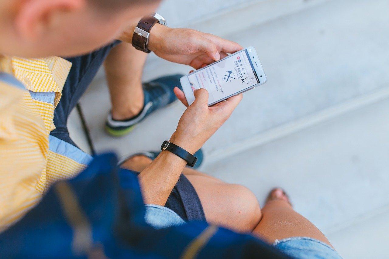 Uwaga na SMS-y od oszustów