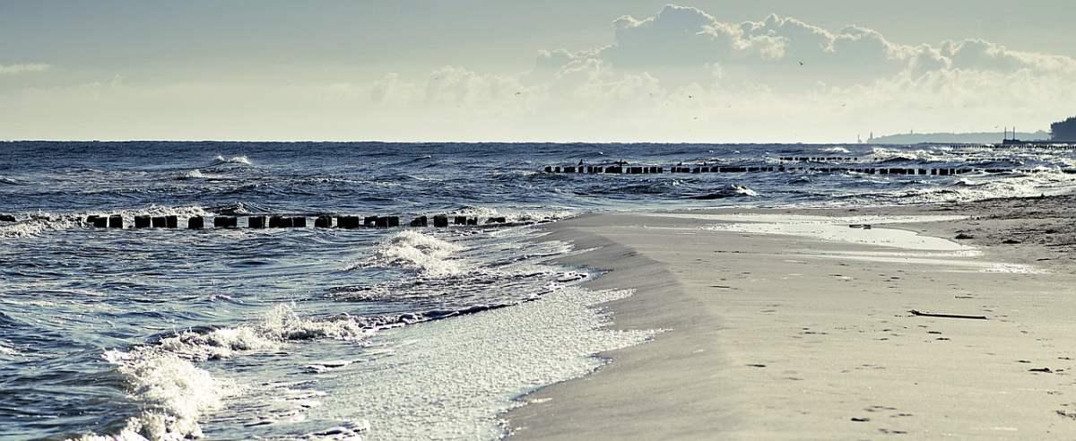 500 plus i bon turystyczny mogą nie wystarczyć. Ceny nad polskim morzem porażają.