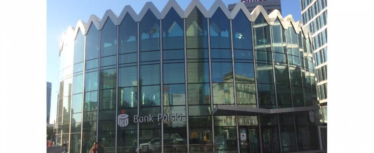 Prezes PKO BP prognozuje kryzys sektora bankowego.
