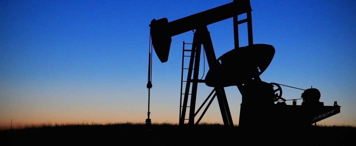 Ceny ropy spadają.