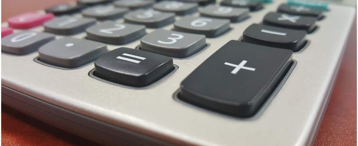 kalkulator-pixabay-bretthondow