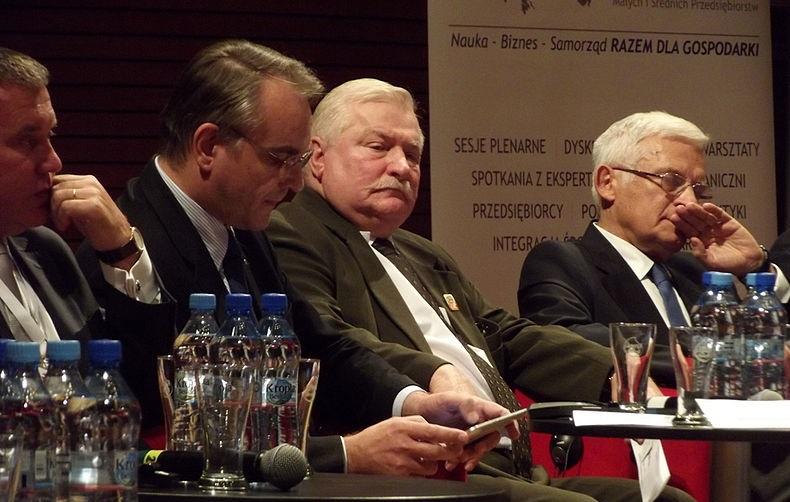 Lech Wałęsa dostał zaskakującą ofertę pracy