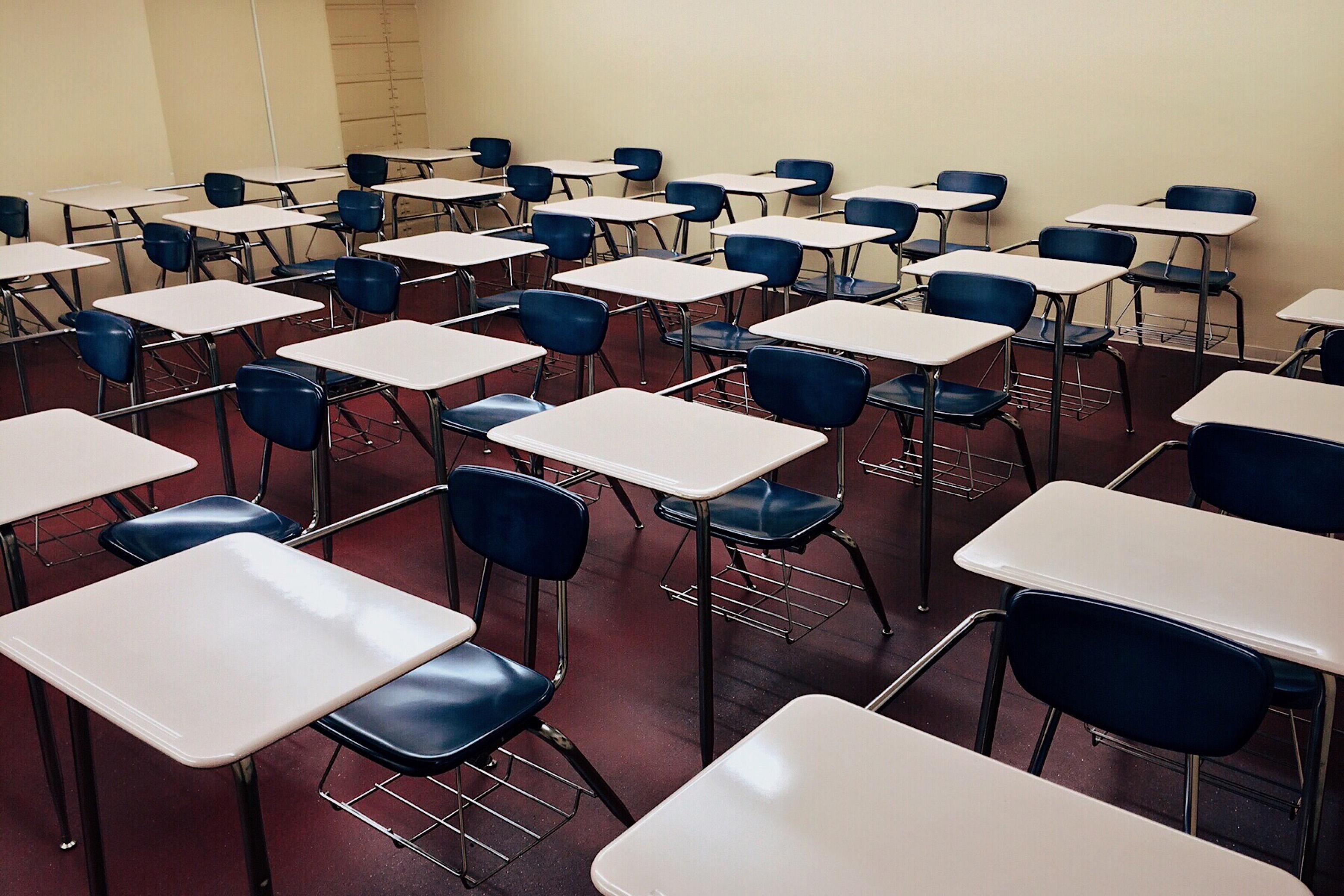 Kiedy powrót do szkół? Minister Przemysław Czarnek zdradza terminy