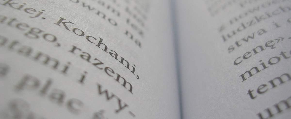 Czytelnictwo w Polsce wzrasta, Polacy chętniej kupują i czytają książki.