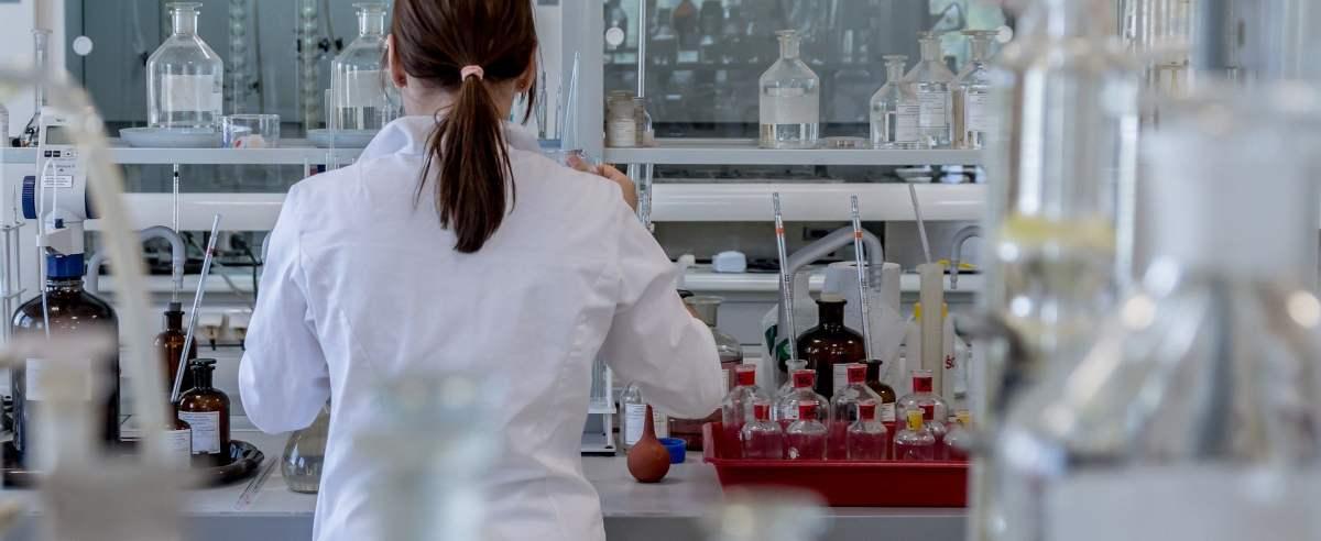 Lek na koronawirusa powstaje także w Polsce. Notowania polskiej spółki na giełdzie rosną.