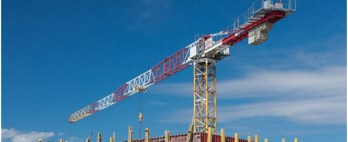 fot: Arkadiusz Ziolek/ East News n/z Budowa nowego budynku mieszkalnego.