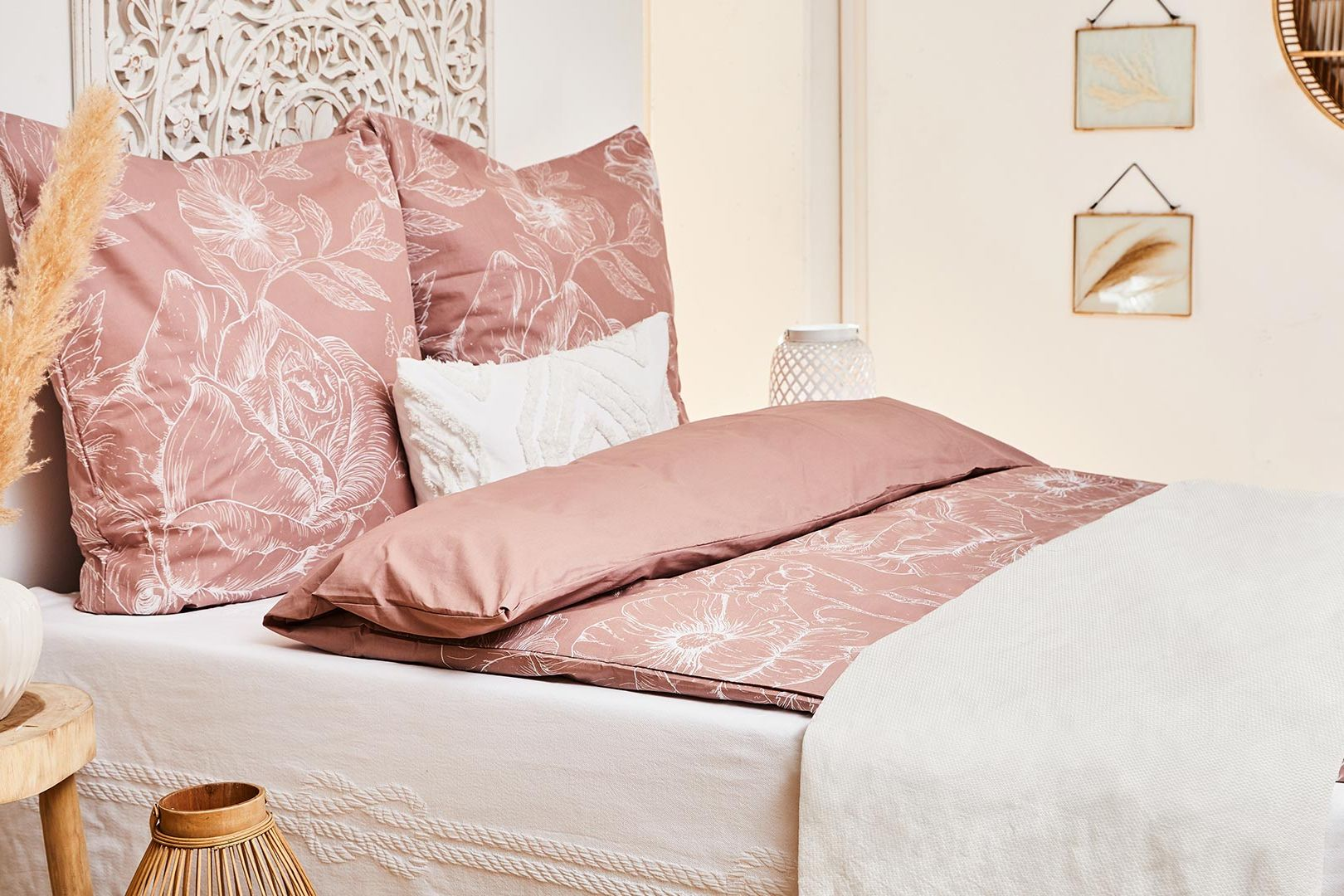 Bed Styling: Roze