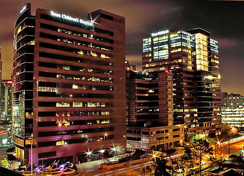 Blog post image: 800px-Texas_Childrens_Hospital_Houston_at_Night.jpg