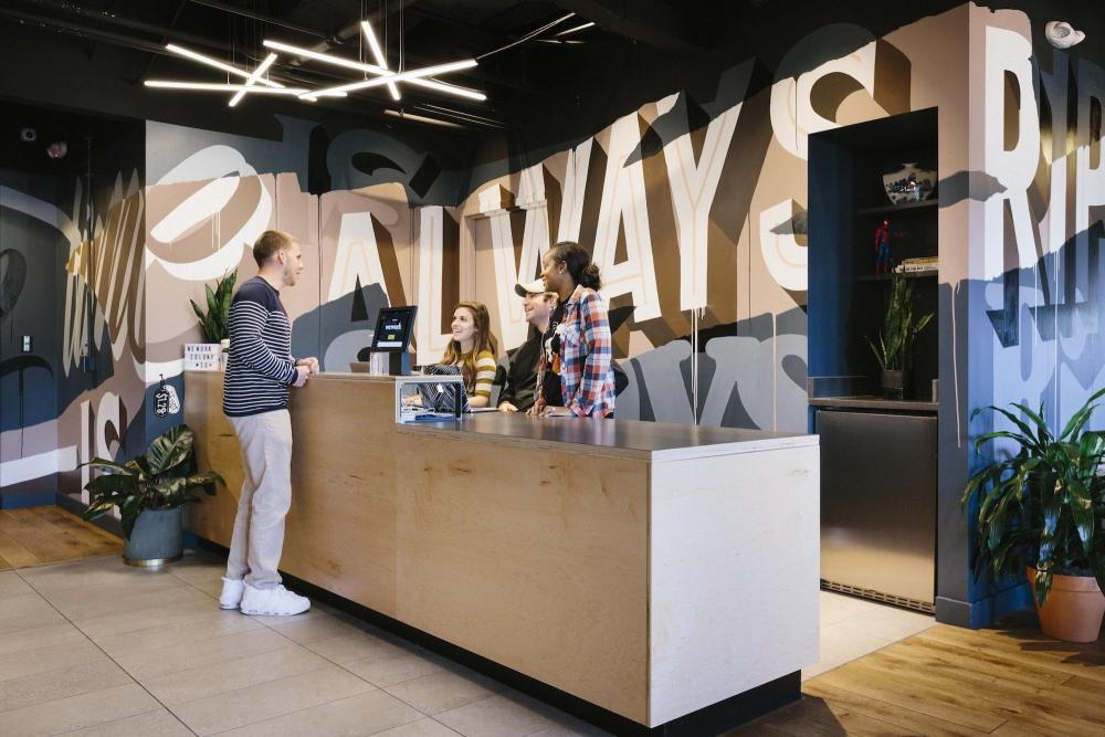 20171025-WeWork-Colony-Square-Front-Desk-Wide-1