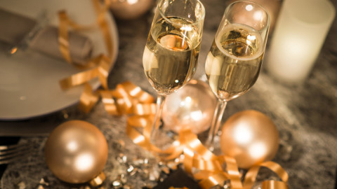 holiday-decor-parties-shutterstock 239155993