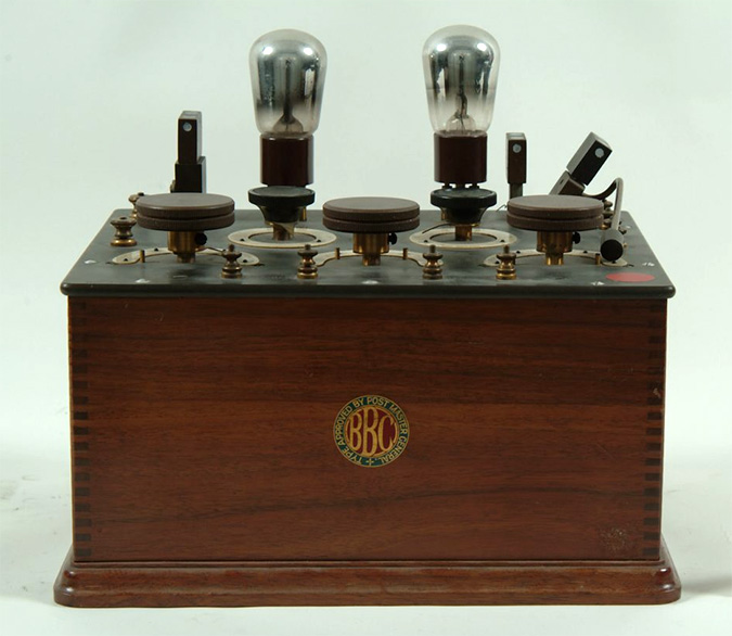 BBC Two Pipe Radio Receiver