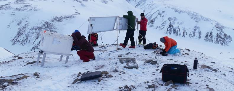 Maternal den study on Svalbard, Norway