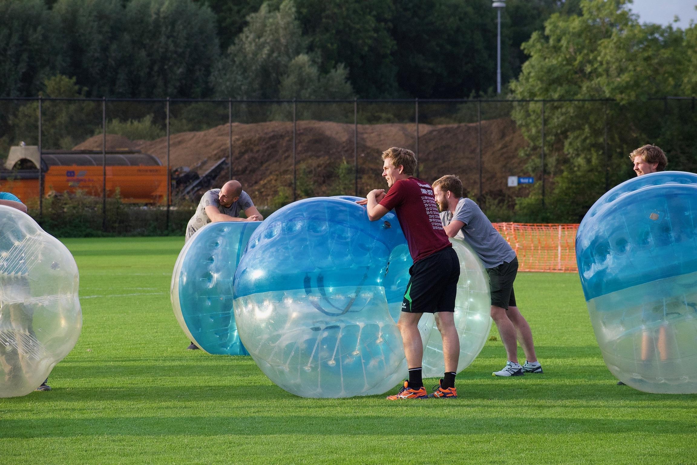 Buiten spelen uithijgen bubble