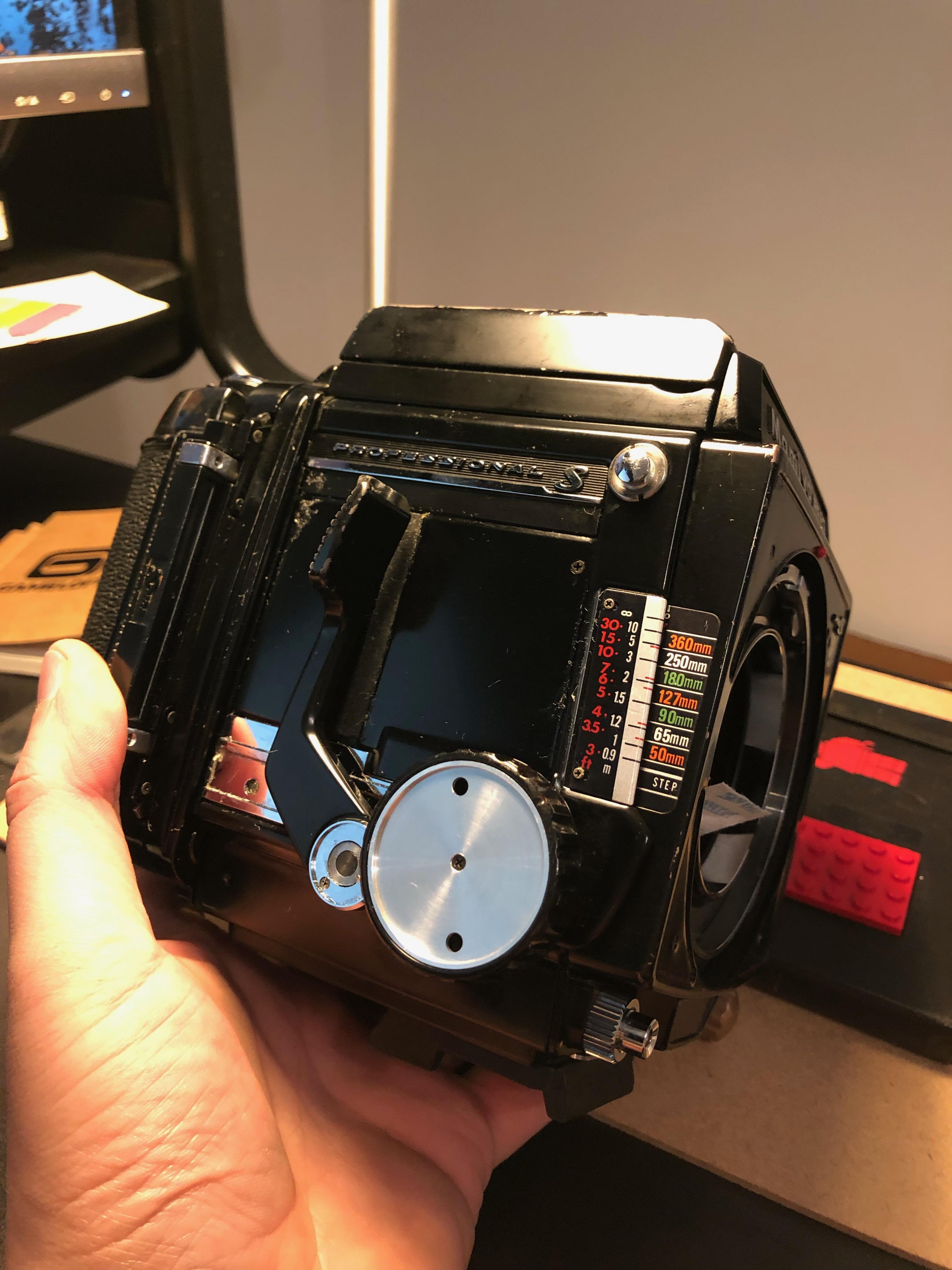mamiya-rb67-restoration-medium-format-camera-light-seals-leather-148
