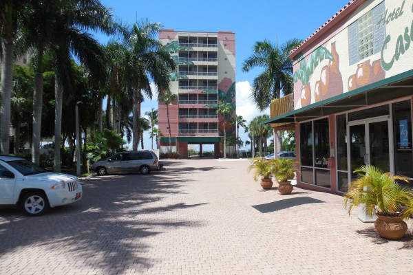 Casa Playa Is Located Right On The Beach Highly Sought After North End Of Fort Myers This A 35 Unit All Suite Resort With
