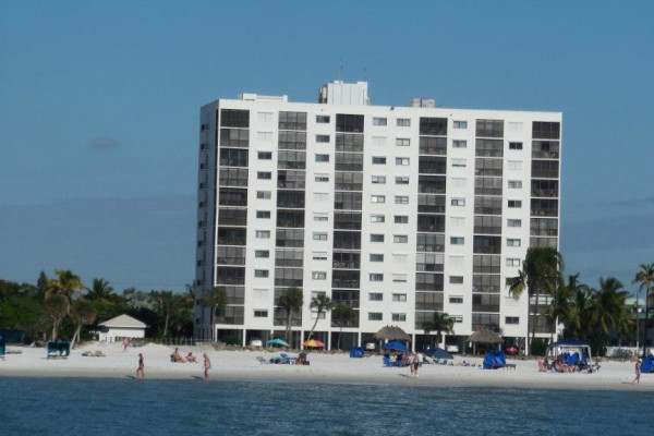 Outstanding Sunset Inium Is Located On The White Sands Of Fort Myers Beach With Ustructed Views Gulf Mexico