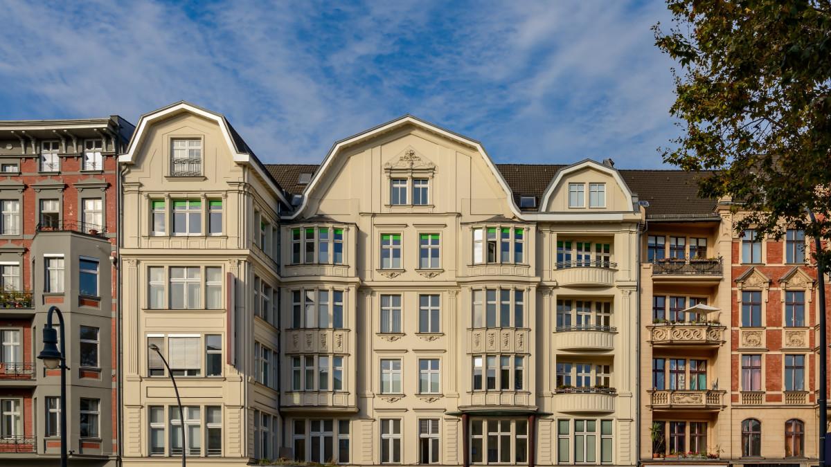 Berlin Schöneberg Häuserfassade, Quelle:shutterstock