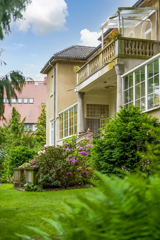 Herrschaftlicher Altbau mit Gartentreppe