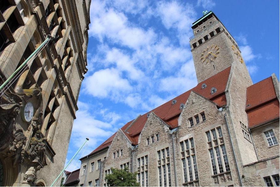 Berlin Neukölln Rathaus in Berlin-Neukölln Copyright: pixabay/MustafaKunst
