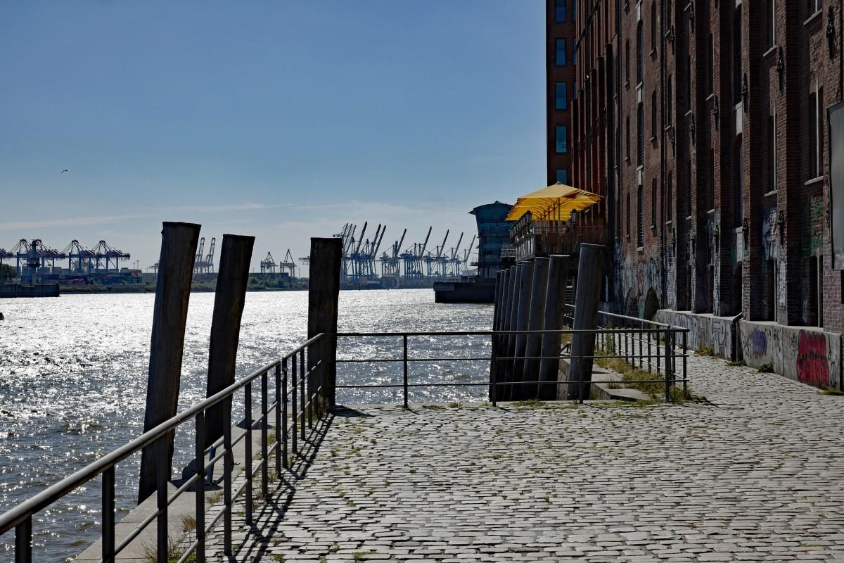 Hamburger Hafen Blick von Altona, Quelle:pixabay