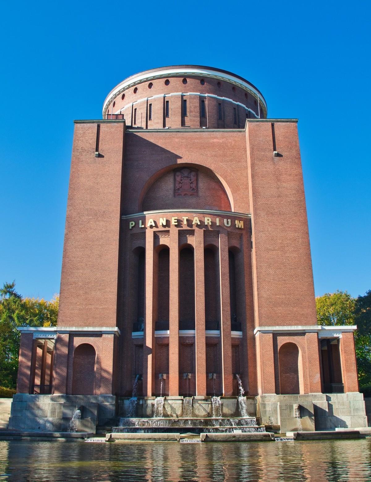 Hamburg Winterhude Planetarium im Stadtpark, Quelle:pixabay