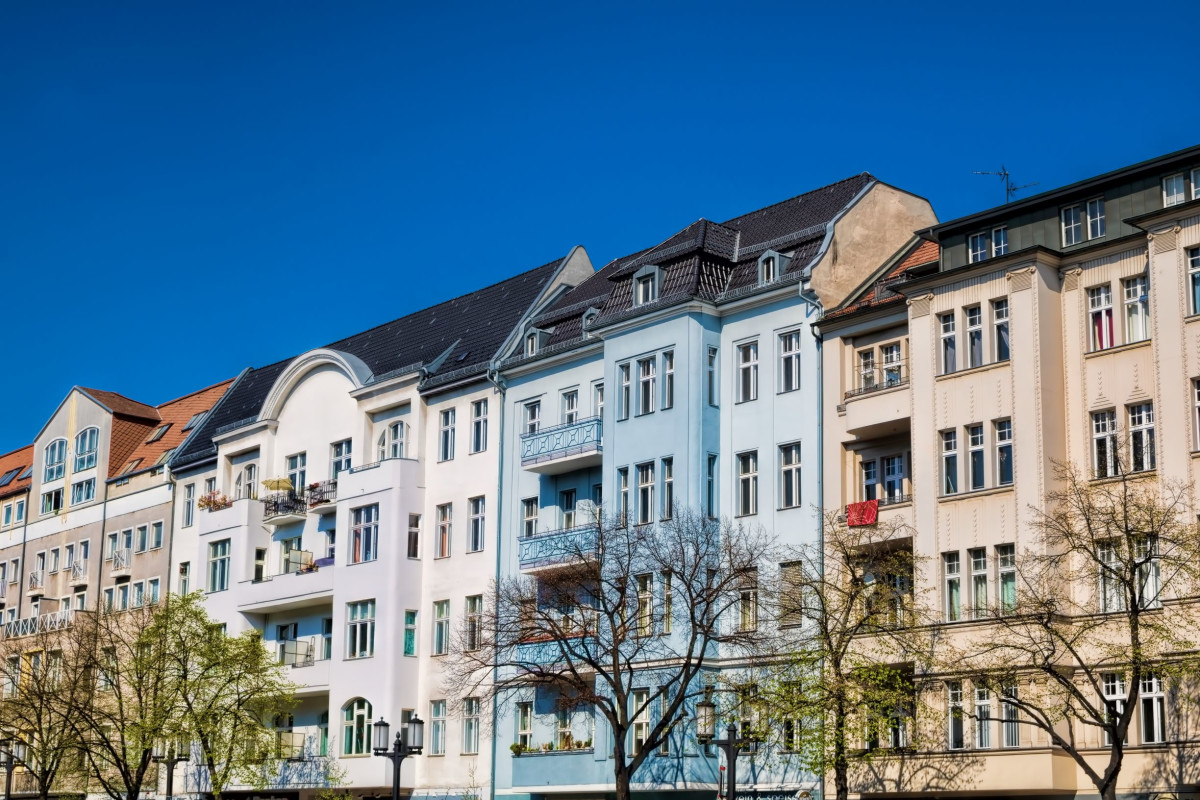 Berlin WiImersdorf Charlottenburg Fassade Wohnen, Quelle: Shutterstock