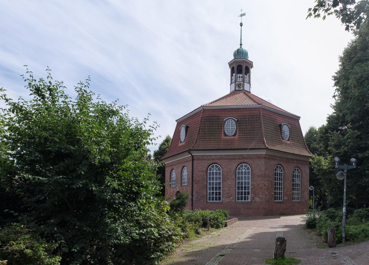 Hamburg Niendorf Kirche Niendorfer Markt, copyright:AndreasKreutzer