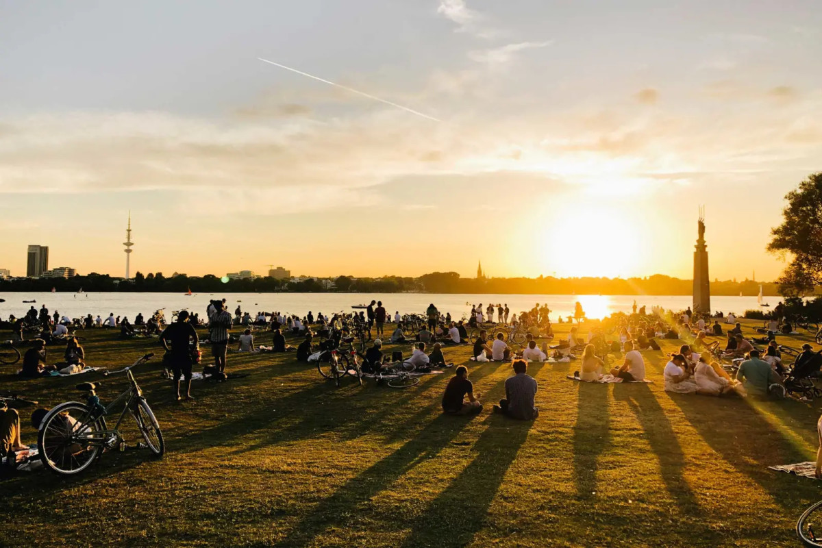 Hamburg Uhlenhorst blick auf die Alster mit Sunset