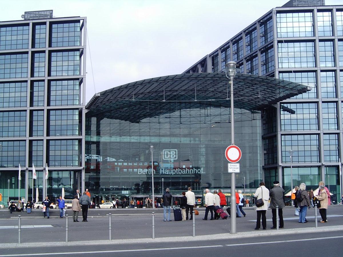 Berlin Moabit Hauptbahnhof Copyright: pixelio/janaglueck