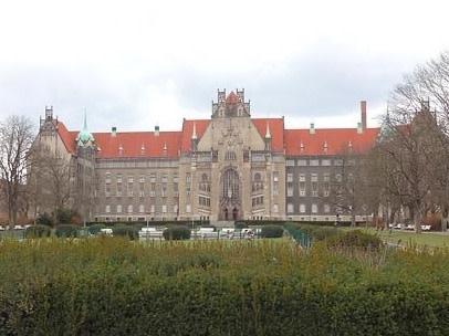 Berlin Gesundbrunnen Amtsgericht Wedding Copyright: pixabay/HPLampen