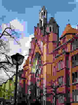 Berlin Wilmersdorf Katholische Heilig-Kreuz Kirche Copyright: pixelio/Rolf Handke