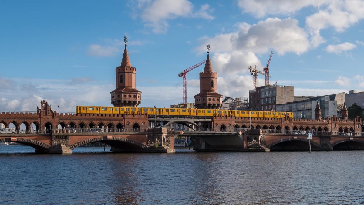 Berlin Kreuzberg-Friedrichshain Oberbaumbrücke, copyright:AndreasKreutzer