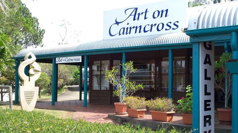 Art on Cairncross.