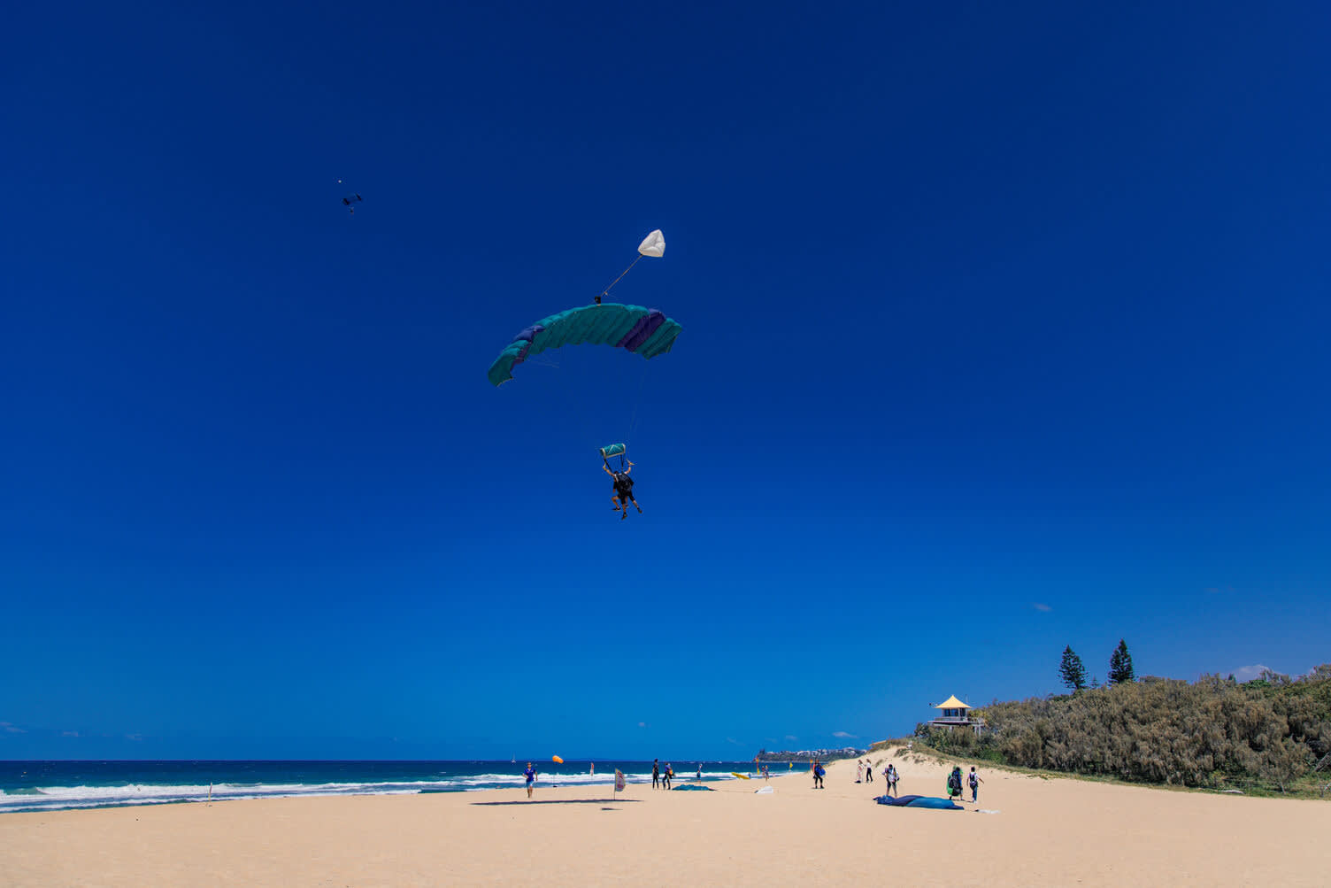 Skydive Caloundra landing at Currimundi Beach