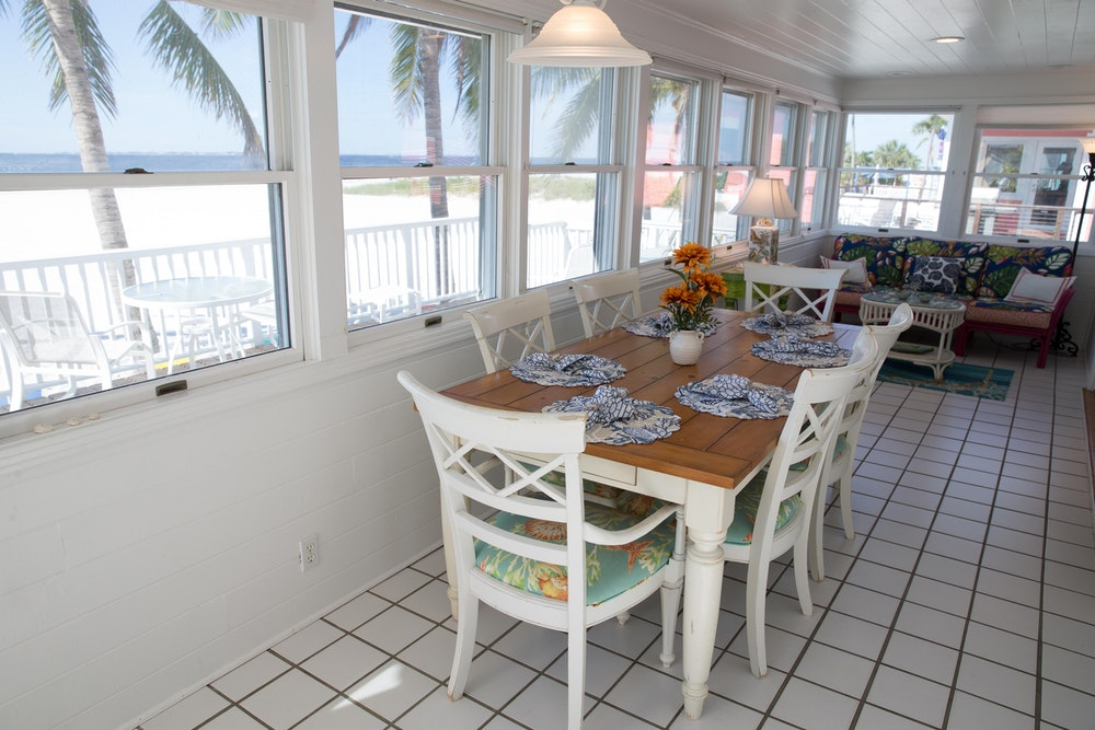 Oceanfront cabin-dining area