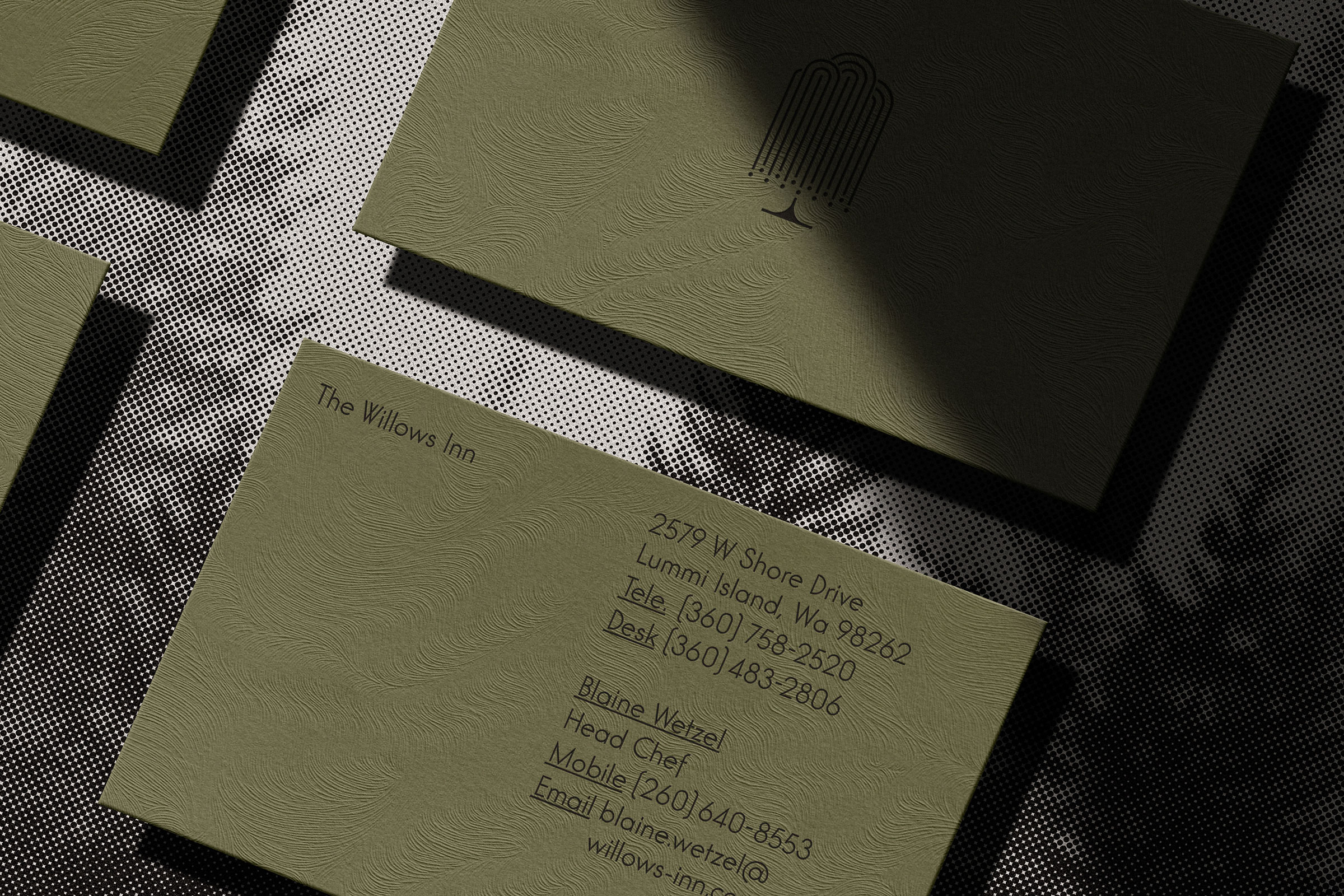 the-willows-inn-business-cards-detail
