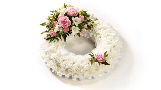 classic white wreath in white and pink.