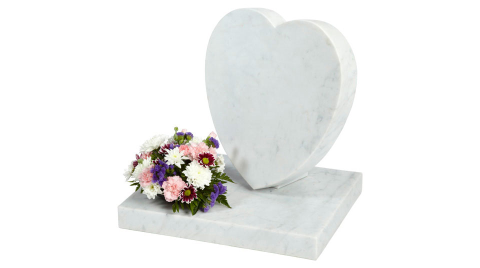 Sloping marble heart plaque