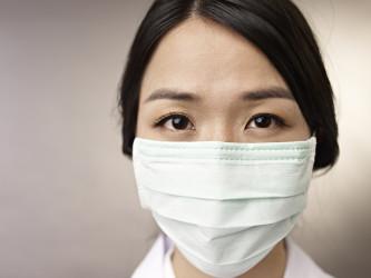 क्या एक फेस मास्क आपको कोरोनावायरस से बचा सकता है? Can a face mask protect you from catching coronavirus(in Hindi)