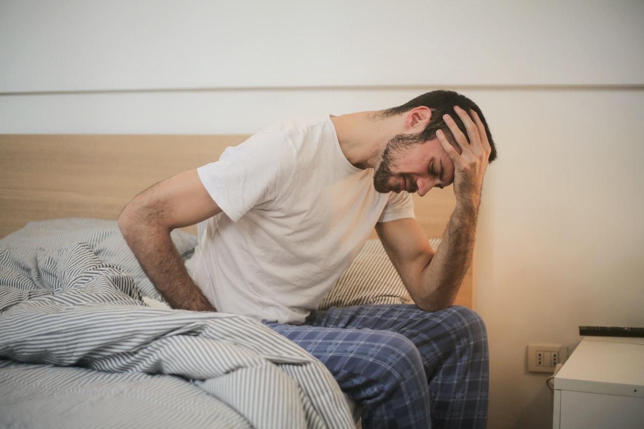 ¿Por qué me despierto con dolor de cabeza?