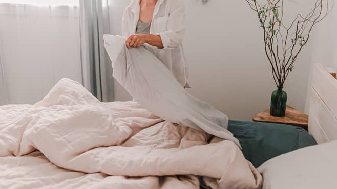 What is a weighted blanket and does it have any benefits?