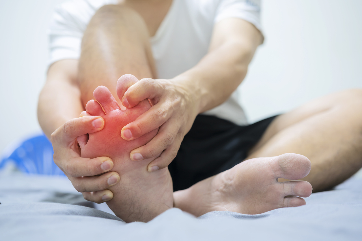 Does gout affect your feet?