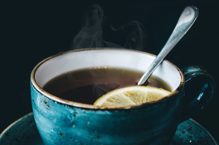 photography-of-blue-ceramic-coffee-cup-734983