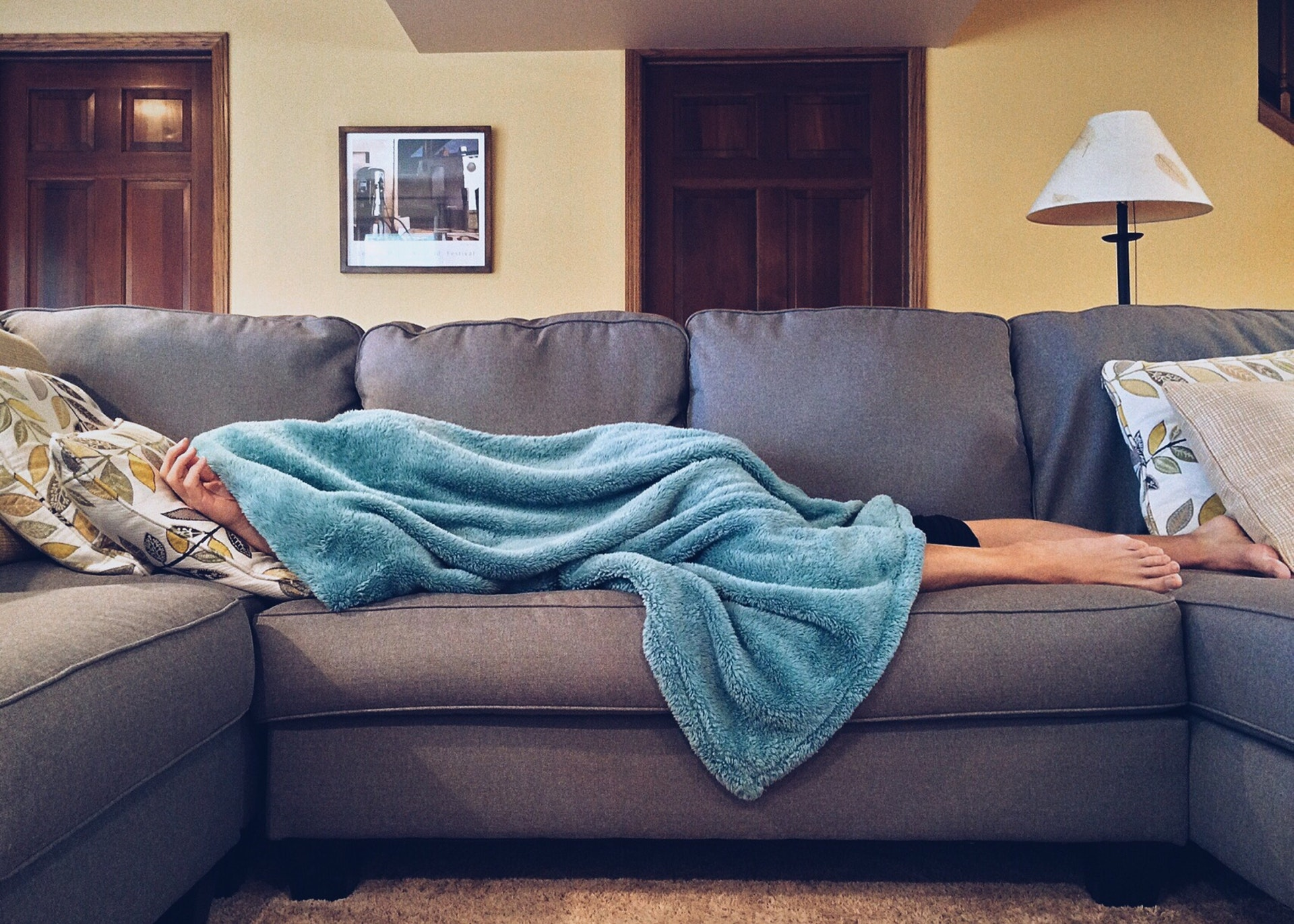 Restless leg syndrome: Treatment, causes and symptoms