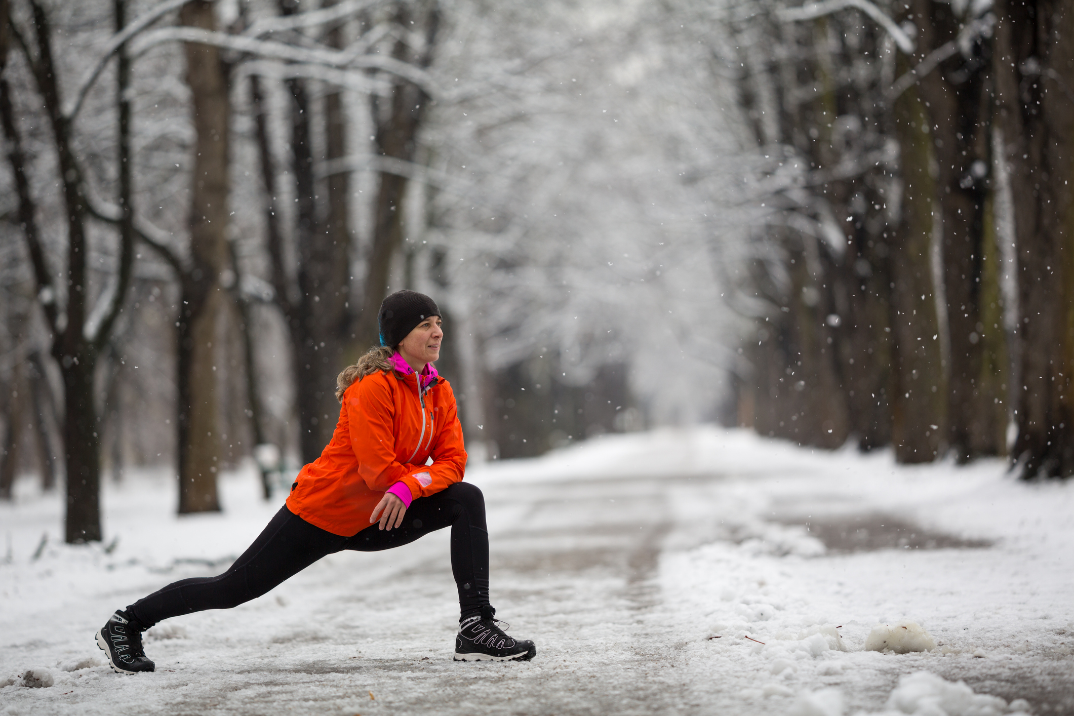 Does cold, wet weather make joint pain worse?