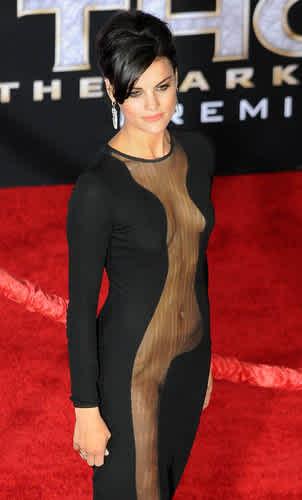 Actress Has Wardrobe Malfunction So Bad You Wont Believe