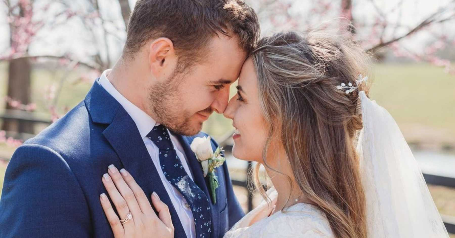 Fans Caught Off Guard By Surprise Duggar Wedding And Voice Concerns Over The Secrecy Cafemom Com