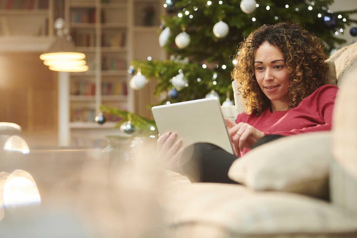 женщина онлайн праздничные покупки