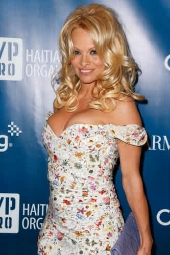 Pamela Anderson Bashed for Looking Older Than Her Age | CafeMom.com
