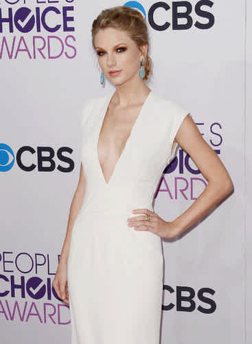 Taylor Swift S Breasts Have Gotten Bigger We Know Why Cafemom Com
